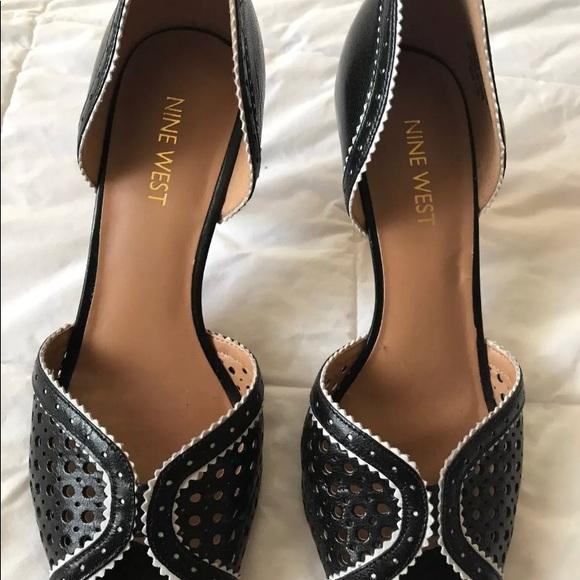 3fa62e33e59 Nine West Women s Black Obvyus Kitty Heels 6.5. M 5a76205885e6050afb0967d6